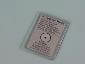 Foto reliquia incapsulata e plastificata in bustina in PVC elettrosaldata